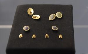 Las joyas recuperadas también estarán a la venta.