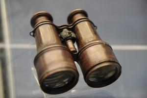 Unos binoculares recuperados del Titanic se subastarán en el próximo mes de abril.