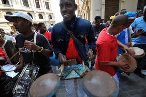 Los percusionistas pusieron el ritmo a la tarde.