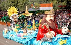 Una carroza colorida del estado indio de Goa recorrió las calles deleitando a los presentes