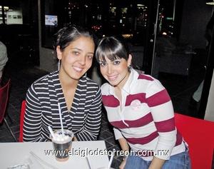 01022012 DORA  González y Mari Gaby Gómez.