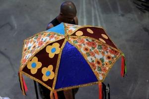 Hasta los más comunes objetos serán parte de la utilería usada en las escuelas de samba.