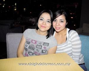 03022012 CYNTHIA  Pérez y Miriam Moreno.