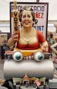 La alcaldesa de Valencia, Rita Barberá, con una apisonadora formará parte de la muestra.