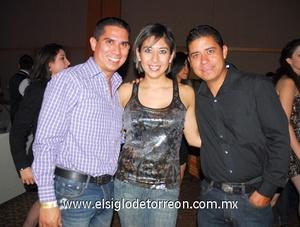07022012 CARLOS  Martínez, Liliana y Jesús Campa.