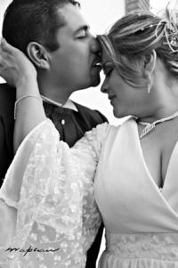 Lorena Mendoza Martínez y Tito Javier Becerra Arroyo, el día de su boda.   Mapear Fotografía