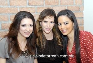 08022012 SONIA  Sanz, Carla Miranda y Tere Espinosa.