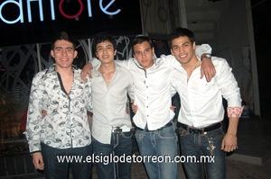 09022012 AXEL , Guillermo, Fernando y Julio.