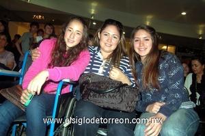 09022012 FERNANDO , Christian, Patricia y Nuria Loza.