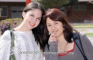 11022012 MARIANA  y Gaby Guerrero.