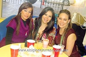 13022012 MARTHA  Reyes, Mary y Ana Díaz.
