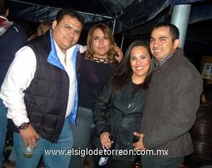 14022012 GERARDO , Brenda, Marianel y Adrián.