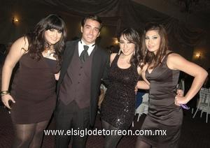 15022012 VALERIA , Óscar, Alejandra y Patricia.