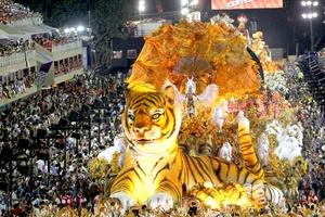 La escuela de samba Mocidade Independente de Padre Miguel participó en el primer día de los desfiles del carnaval de Río de Janeiro con una impresionante producción.