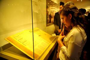 En la exposición se presentaron objetos que durante nueve décadas han testificado la historia del Diario Regional Defensor de la Comunidad.
