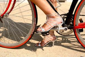 Vía Facebook se contactaron a grupos femeninos de ciclistas de otros países para participar en el movimiento.