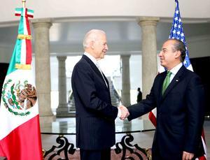 El presidente Felipe Calderón exigió  al vicepresidente de Estados Unidos Joseph Biden, más acciones de su país para detener el tráfico de armas a México durante su visita al país.
