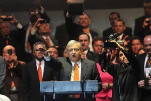 AMLO protesta como candidato oficial por el Movimiento Ciudadano.