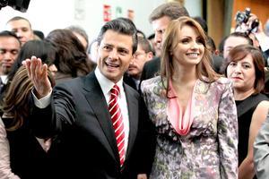 Enrique Peña Nieto estuvo acompañado en todo momento de su esposa, Angélica Rivera.