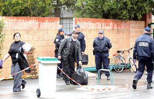 El asesino llegó en una moto, en la que también huyó, y al parecer utilizó dos armas.