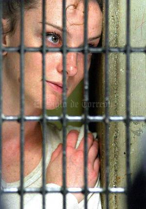 El 10 febrero de 2006, el gobierno mexicano reconoció que la detención televisiva de Cassez se trató de una recreación.