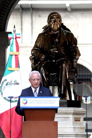 """En el marco del 206 aniversario del natalicio de Benito Juárez, Silva Meza dijo categórico: """"No el abuso del poder, paso previo al autoritarismo y a la impunidad; no la creencia de que la ley puede cumplirse a capricho. En el Poder Judicial queremos que imperen los valores y principios constitucionales""""."""