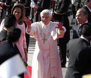 El presidente Calderón externó su confianza en que la visita del obispo de Roma ilumine el alma de las mujeres y los hombres de esta tierra.