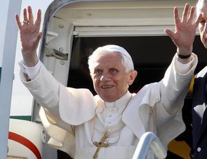 El papa Benedicto XVI llegó a México para realizar una visita apostólica de tres días, como parte de una gira que el lunes próximo le llevará a Cuba.