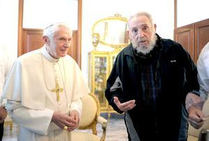 El encuentro entre el papa Ratzinger y Castro se produjo en la Nunciatura Apostólica (embajada de la Santa Sede) tras la misa que ofició el Pontífice en la plaza de la Revolución.
