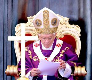 """El obispo de Roma invitó a los cubanos a """"no vacilar y a seguir a Jesucristo, señalando que ayuda a derrotar """"los egoísmos, las ambiciones y la opresión""""."""