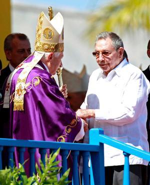 El mandatario cubano, Raúl Castro y varios de sus ministros tenían asientos en primera fila.