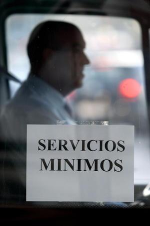 Díaz comentó que en transporte se respetan los servicios mínimos.