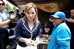 Josefina Vázquez Mota, del PAN, arrancó en la Ciudad de México y luego viajó a Teziutlán, Puebla, donde nació.