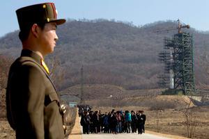 Reporteros fueron llevados en tren al nuevo centro de lanzamiento de Corea del Norte, en la aldea de Tongchang-ri, en la provincia de Phyongan del Norte