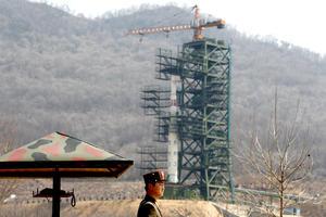 Estados Unidos, Japón, Gran Bretaña y otras naciones pidieron a Corea del Norte que cancele el lanzamiento, y advirtieron que el misil de largo alcance, de ser catapultado al espacio, violaría las resoluciones de la ONU y la promesa de las autoridades norcoreanas de no realizar actividades nucleares ni balísticas.