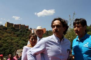 El candidato presidencial del partido Nueva Alianza, Gabriel Quadri de la Torre, encabezó un evento en Lomas de Tarango, de la delegación Álvaro Obregón, como su recorrido de campaña a la Presidencia de la República.