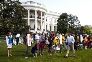 El mandatario de EU estuvo acompañado por su esposa Michelle, y decenas de miles niños y sus padres en un día dedicado al ejercicio físico, la lectura, deportes y artesanía.