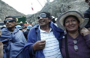 Los mineros fueron recibidos por sus familiares.