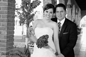 SRITA.  Alejandra Nájera Valdez y Sr. Ramsés Ortiz Lozano el día de su enlace nupcial.  Javier Salcido Fotografía