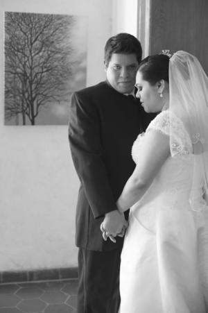 SRITA. ANA KARLA  Caballero Agundis y Sr. Juan Jesús Rodríguez Oropeza el día de su enlace nupcial.