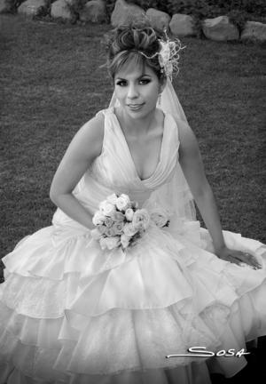 LIC. SELENE  Márquez Ortega el día de su boda con M.V.Z. Jesús Hernández Ruiz.-   Studio Sosa