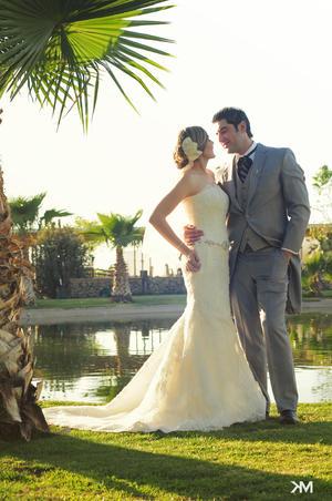 Srita. Ana Carolina Dávila Machain y Sr. Ricardo Armando Bazán González, contrajeron matrimonio el sábado 10 de marzo de 2012, posteriormente se ofreció una recepción en salón La Española.-    Studio MK