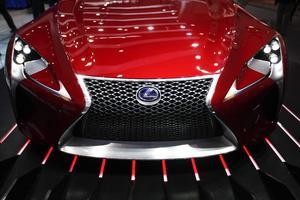 Detalle del frontal del prototipo LF-LC de Lexus en el Salón del Automóvil de China, en Pekín.