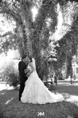 SRITA.  Karla Ivonne Baños Galaviz y Sr. Luis Felipe Ramírez Magaña, el día de su enlace matrimonial.  Studio KM