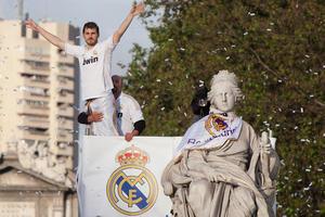 El último gran emblema del Real Madrid, el portero Iker Casillas en los festejos del campeonato. (Getty Images)