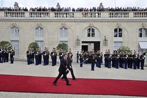 Sarkozy y Bruni dejaron el Palacio Elíseo.