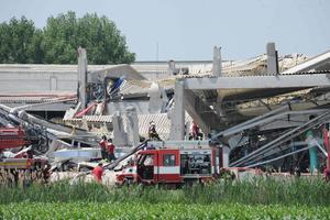 El alcalde de San Felice, Alberto Silvestri, dijo que hubo muertos en su ciudad, pero no dio más detalles y dijo que se dirigía desde la zona industrial hacia centro para obtener más información.