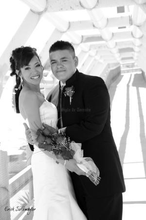 SRITA. VALERIA Luna Reyes y Sr. Joel Cervantes Martínez, el día de su boda.  Érick Sotomayor Fotografía