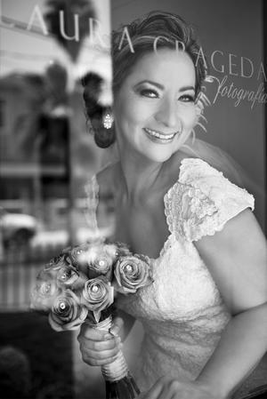 ANABEL  Chavarría Guerrero, el día de su boda con el Ing. José Alfredo Basurto.-   Estudio Laura Grageda