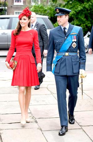 El príncipe Guillermo de Inglaterra y su esposa Catalina, duquesa de Cambridge robaron las miradas de los asistentes.